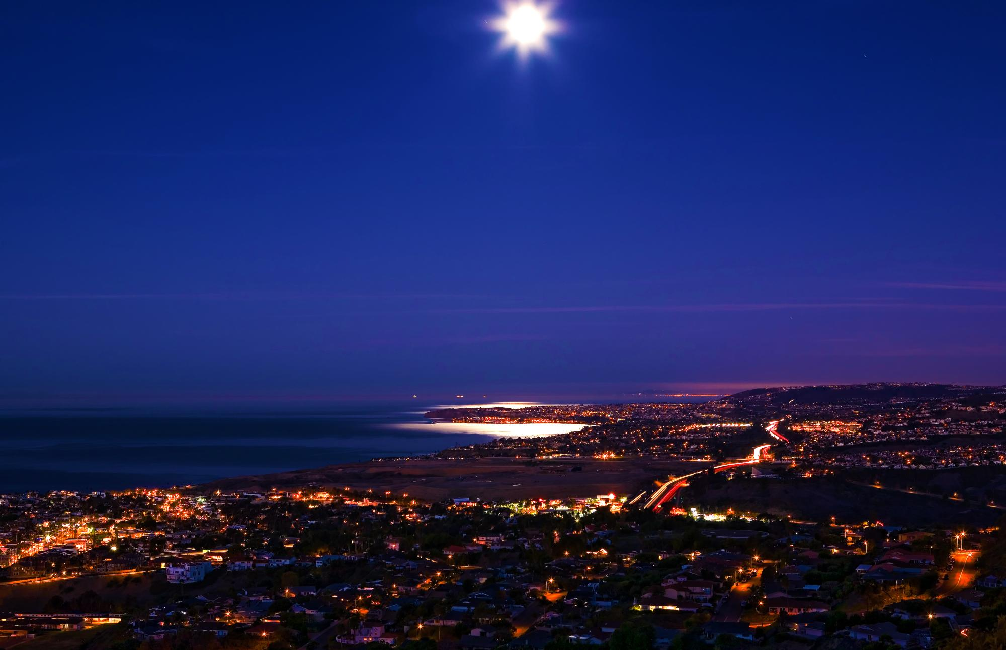 222-MOONSET OVER DANA POINT